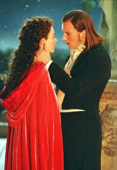 pretty sure I'm the only person ever who wanted her to end up with Raoul, not the phantom... #teamraoul