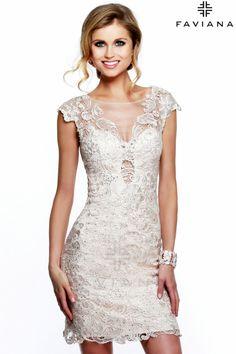 Vestido corto en guipure modelo 7622 by Faviana | Boutique Clara