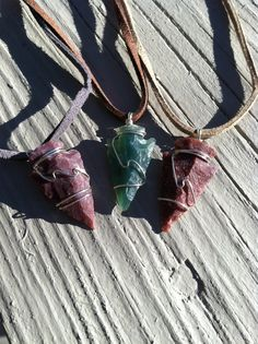 Check out this item in my Etsy shop https://www.etsy.com/listing/219825706/agate-arrow-head-set