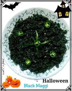 Seaweed Salad, My Recipes, Foodies, Queen, Dishes, Halloween, Ethnic Recipes, Instagram, Plate