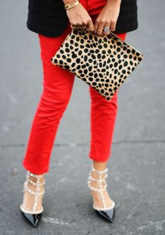 Friday Favorites - The Leopard Print Trend & How to Wear It! Passion For Fashion, Love Fashion, Fashion Outfits, Womens Fashion, Fashion Scarves, 1950s Fashion, Fall Outfits, Vintage Fashion, Clothing Items