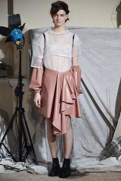 Phoebe English - Fall 2015 Ready-to-Wear - Look 6 of 16 /  #MIZUstyle