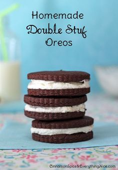 Homemade Oreos - I MUST make these for my daughter. She's an Oreo addict.