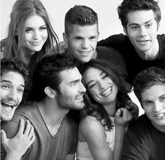 This show is my life♥ and i absolutely love this cast♥