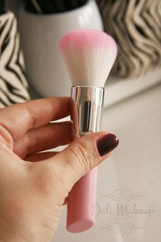 Born Pretty Store -Blush Brush Makeup Pink ID 15020 Do not miss the opportunity, use this code when purchasing: DALH10 get additional 10% discount on purchases at Born Pretty Store website. www.bornprettystore.comhttp://www.bornprettystore.com/