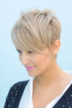 Pixie hairstyles really stylish. We collect great styles in 23 Long Pixie Hairstyles. If you need a short hairstyles, you should check these lovely hairstyles. Long Pixie Hairstyles, Summer Hairstyles, Straight Hairstyles, Cool Hairstyles, Short Haircuts, Haircut Short, Popular Haircuts, Wedding Hairstyles, Blonde Pixie Haircut