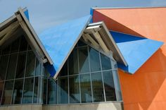 follow-the-colours-frank-gehry-biomuseum-in-panama-05