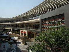 The MOST luxurious, avant garde and beautiful Mall in Mexico, it's surely one of the best in Latin America, one of my favourite spots in Mexico City... and my 2nd favourite Mall in the world (after the Galeries Lafayette in Paris) <3