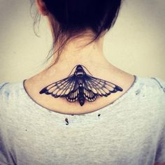 tatuagem mariposa preta