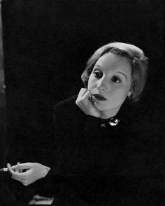 Elisabeth Bergner, February 1935, Cecil Beaton