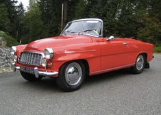1961 Skoda Felicia convertible, from the Czech Republic. American Graffiti, F1 Posters, Vintage Cars, Antique Cars, Convertible, Old Classic Cars, Top Cars, Small Cars, Sport Cars