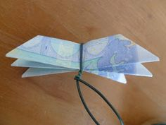 Marly Design: geld bloem / money flower Some Ideas, Old And New, Iris, Arts And Crafts, Paper, Wood, Creative, Paint Fabric, Painting
