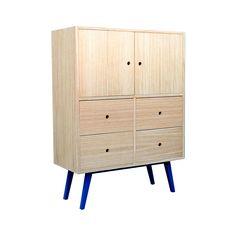 Mueble a medida con patas azules Lockers, Locker Storage, Dresser, Furniture, Home Decor, Nordic Furniture, Custom Furniture, House Decorations, Drawer Pulls