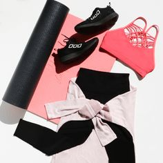 Shop sports bras, leggings, tights, yoga pants + a wide range of gym clothes. Cute Workout Outfits, Workout Attire, Sporty Outfits, Athletic Outfits, Cool Outfits, Fashion Outfits, Athletic Clothes, Girls Sports Clothes, Workout Gear For Women