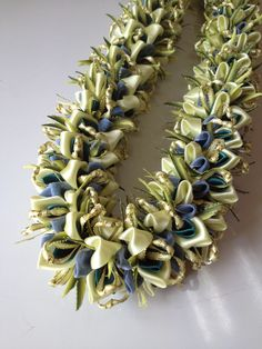 Hau (Ribbon lei) designed by Tracy Harada Ui'mauamau