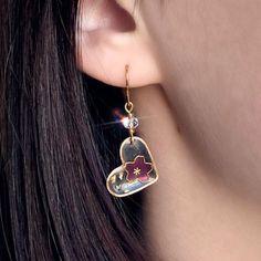 Diy Resin Earrings, Resin Jewelry, Jewelry Crafts, Beaded Jewelry, Epoxy Resin Art, Diy Resin Art, Diy Resin Crafts, Diy Resin Projects, Handmade Wire Jewelry