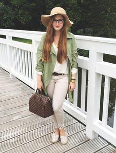 Pretty @laura_xvii wearing army green fly chiffon cardigan.   Lookbook Store OOTD #LBSDaily