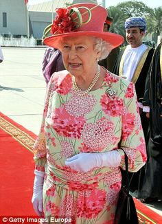 Queen Elizabeth II walks towards her plane at Muscat Airport after a five day State Visit to the Gulf region Queen And Prince Phillip, Prince Charles And Diana, Prince Philip, The Queens Children, Queen Hat, Commonwealth, Royal Queen, Isabel Ii, Her Majesty The Queen