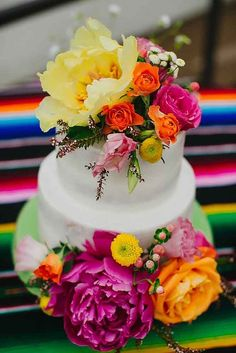 Exciting And Colourful Mexican Wedding Cake Ideas ❤︎ Wedding planning ideas & inspiration. Wedding dresses, decor, and lots more. Wedding Cake Toppers, Wedding Cakes, Mexican Themed Weddings, Mexican Party, Mexican Cakes, Mexican Fiesta Cake, Mexican Desserts, Mexican Style, Cake Creations