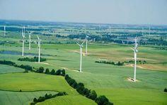 Kisielice: premio europeo por su apuesta sostenible. Una pequeña localidad poloca ha sido galardonada con el premio ManagEnergy 2014 de la Comisión Europea, por sus proyectos encaminados para convertise en una comunidad autosuficiente, empleando para ello fuentes de energías renovables, valiéndose del impulso económico de los parques eólicos de la región.  #Energíasrenovables, #Sostenibilidad