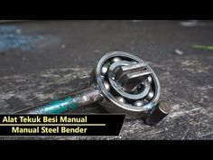 Membuat Alat Tekuk Besi Manual simple tapi Kuat - YouTube Welding Art Projects, Diy Welding, Welding Tools, Metal Welding, Metal Bending Tools, Metal Working Tools, Metal Tools, Homemade Tools, Diy Tools