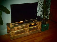 upcycled TV stand from pallets