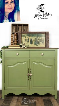 Alluring - Velvet Finishes Green Painted Furniture, Bedroom Dressers, Hunter Green, Shades Of Green, Restoration, It Is Finished, Velvet, Projects, Home Decor
