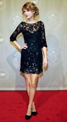 Taylor Swift style and fashion #TaylorSwift #TaylorSwiftstyle #TaylorSwiftfashion #fashion #style #redcarpetstyle #redcarpet #celebrityfashion #celebritystyle