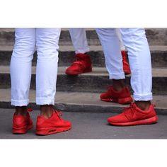 Sneakerheads! #DADA #outfit #OOTD #fashionkiller #fashion #swag #sneaker #sneakerhead #shoes #streetwear #nike #yeezy #rosherun #airmax #DADApeople