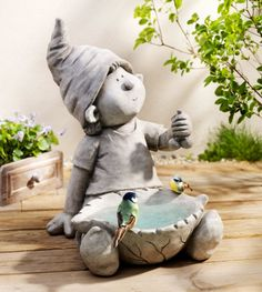 Order the decoration figure Wichtel at Weltbild.de Decoration figure elf now at Weltbild. Slab Pottery, Ceramic Pottery, Pottery Sculpture, Sculpture Art, Paper Clay, Clay Art, Clay Projects, Clay Crafts, Mosaic Garden Art