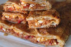 La empanada de atún es muy fácil y si no tienes ganas de preparar masa de empanada, la sustituyes por hojaldre, que lo podemos a...