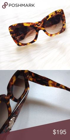 Versace sunnies Brand new, never used. No box or case though. Versace Accessories Sunglasses