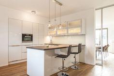 Die elegante Stadtvilla - Tauber Architekten und Ingenieure House 2, Acer, House Plans, Kitchen, Design Ideas, Furniture, Home Decor, Future House, Kitchens