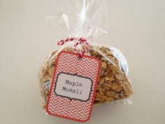 Muesli to go. Homemade Muesli, Homemade Christmas Gifts, Food Packaging, Wicker Baskets, Gift Ideas, Decor, Homemade Christmas Presents, Decoration, Homemade Xmas Gifts