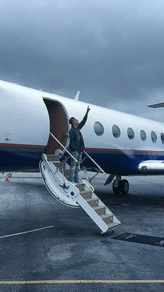 On my jet, bitch😂😂 I Luv U, To My Future Husband, Justin Bieber, Jet, Angel, Wallpapers, Boys, Amor, Display