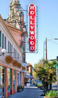 Great Shopping in Portland's Hollywood District