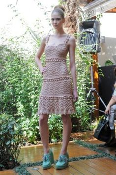 Vanessa Montoro presents crochet dresses in couture trunk show #crochet