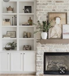 White Fireplace, Fireplace Design, Fireplace Mantels, Fireplaces, Fireplace Ideas, Fireplace Seating, Fireplace Decorations, Farmhouse Fireplace, Mantles