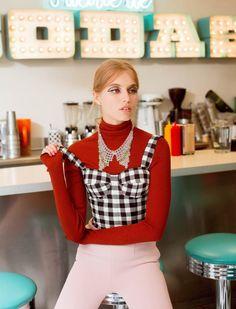 DINER GIRL: Megan Irminger for Elle Mexico December 2015 - Dolce&Gabbana Fall 2015 top