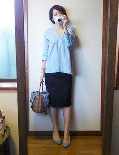モコーデ: ユニクロ×カリーヌスカートでサックスブルーの大人女子コーデ 5月11日