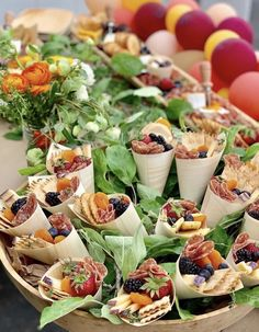 Yummy Appetizers, Appetizers For Party, Appetizer Recipes, Charcuterie Recipes, Charcuterie And Cheese Board, Cheese Boards, Party Food Platters, Party Food Buffet, Catering Menu