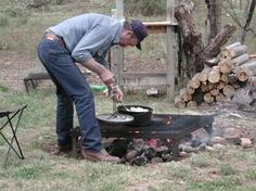 Dutch oven cooking over an open fire. Tips for Dutch oven cooking while camping. Fire Cooking, Cast Iron Cooking, Oven Cooking, Outdoor Cooking, Cooking Tips, Camping Meals, Camping Recipes, Camping Stuff, Tent Camping