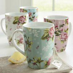 Set of 4 Chintz Mugs - Vintage charm, captured in glazed white porcelain. Style Cottage Anglais, Coffee Cups, Tea Cups, Café Chocolate, Cute Mugs, Pretty Mugs, Teapots And Cups, My Cup Of Tea, Mug Cup