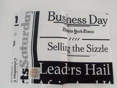 Capa agenda personalizada com tecido de jornal. Essa é minha! <3