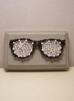 Nerd glasses string art. Handmade optometrist wall by Stringlandia