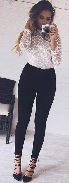 #Street #Fashion | Black And White Easy Chic | That Pommie Girl                                                                             Source