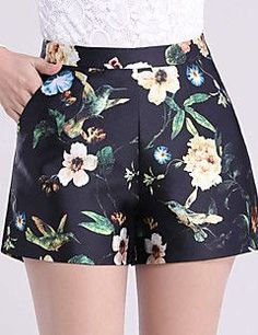 SHORTS FLORAL CORES BEGE E VERDE Short Outfits, Short Dresses, Casual Outfits, Summer Outfits, Cute Outfits, Women's Casual, Girl Fashion, Womens Fashion, Fashion Design