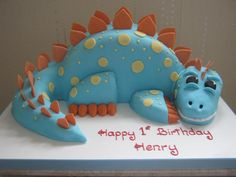 How to Make a Dinosaur Cake by cakesbykinsey #Birthday_Cake #Kids #Dinosaur