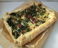Torta salata con bietole e salsiccia | Ricetta veloce