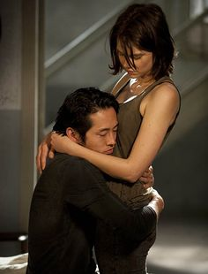 Glenn Rhee (Steven Yeun) and Maggie Greene (Lauren Cohan) in Episode 1